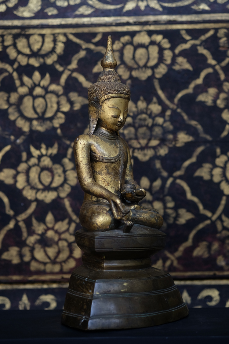 Extremely Rare Early 18C Bronze Burmese Shan Buddha # DW006